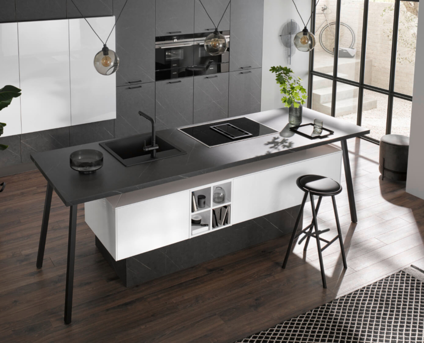 Küche Marmor dunkel / Polarweiß